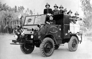 Unimog U25, Baureihe 402 Feuerwehrfahrzeug mit Metz Aufbau und Vorbaupumpe, ausgeliefert nach Südamerika